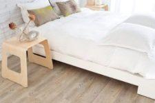 15 wood-looking cork tiles add warmth