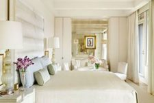 16 cream-colored floors continue the decor theme and add coziness to the space