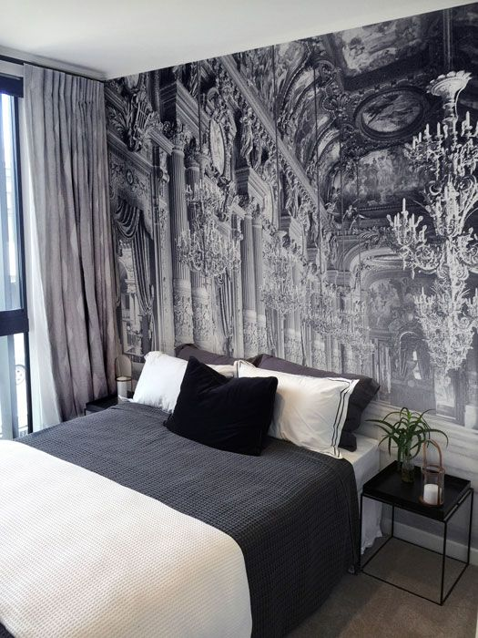 26 photo accent walls that will blow your mind digsdigs for Black and white london mural wallpaper