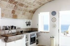 25 limestone floors and ceiling that echo with each other
