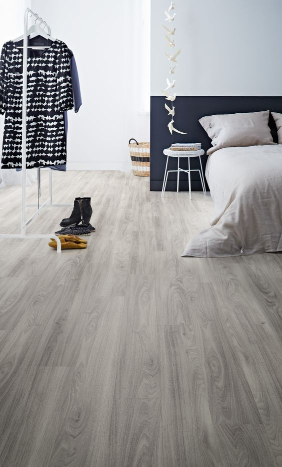 27 ash vinyl sheet floors for a bedroom