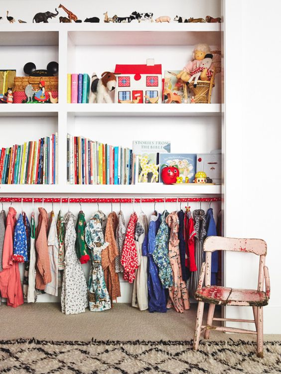 33 ideas to decorate and organize a kid s room digsdigs - Ideas para trasteros ...