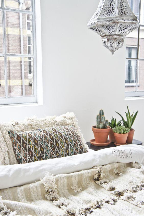 32 Moroccan kilim berber pillow