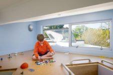 32 cork flooring in a kids' playroom keeps it clean