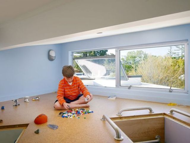 cork flooring in a kids' playroom keeps it clean