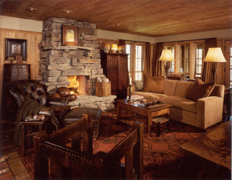 Surrounded by lots of wood, natural stone only brings coziness to the interior. (Peace Design)