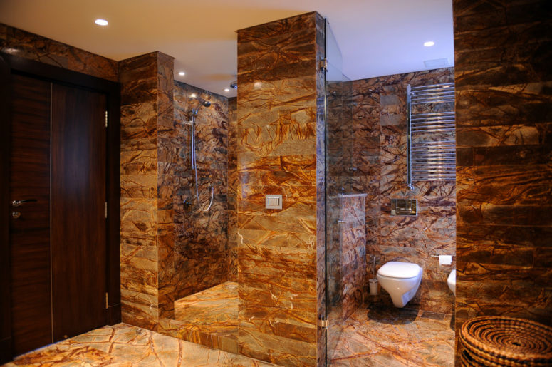 There are plenty of tiles that perfectly imitates different stone surfaces. (ibrahim radwan)