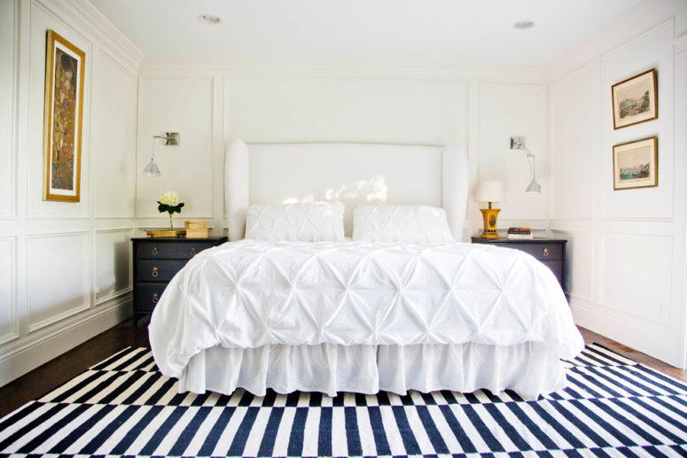 Even the whole room could be covered with wainscoting paneling. (White + Gold Design)