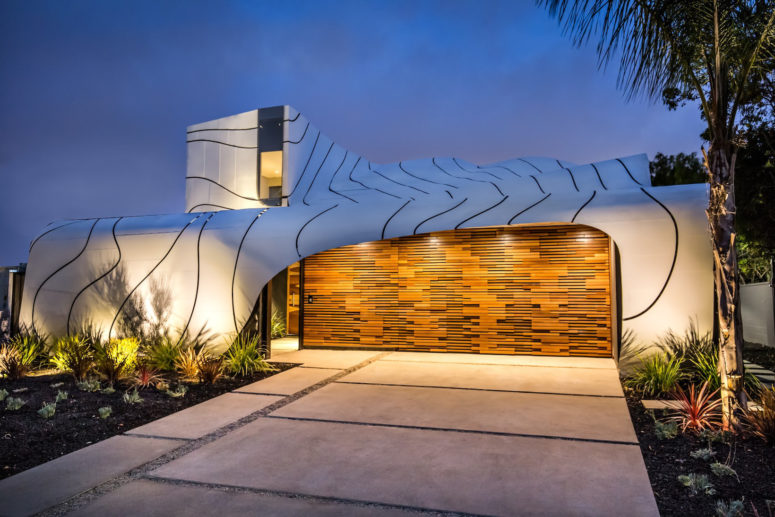 Unique Wave House Inspired By The Ocean Itself