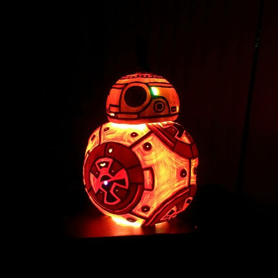 BB-8 pumpkin with light that works as a lantern