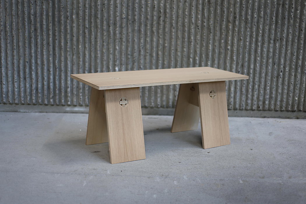 There are 10 furniture pieces and 4 types of joineries to assemble