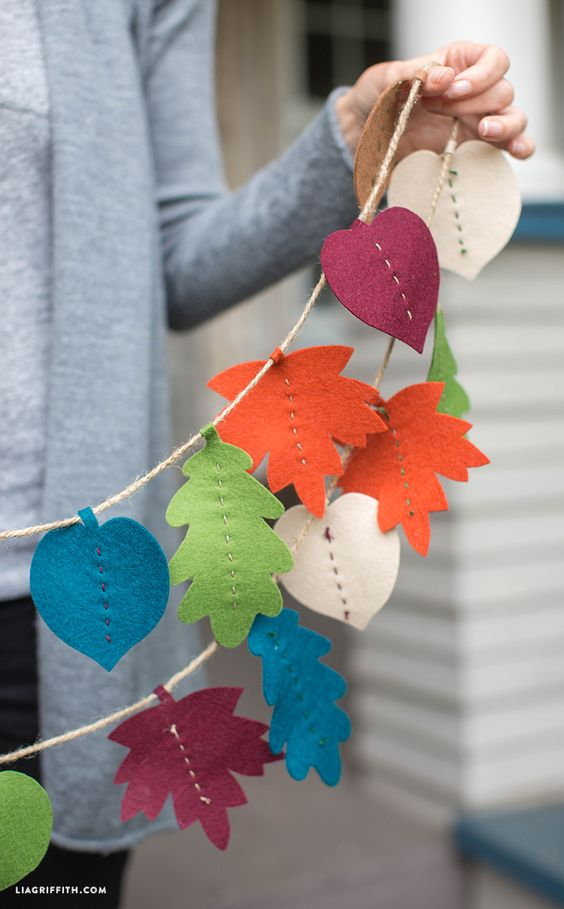 fall leaf garland made of felt