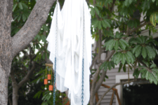 03 place a sheet ghost on a swing in your backyard to get a cool effect