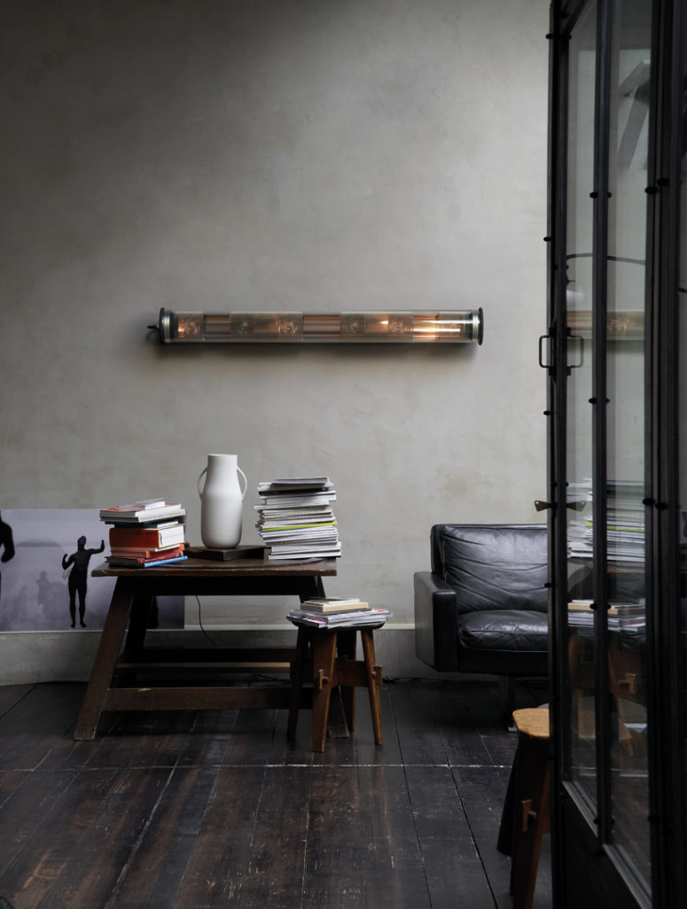 Chic industrial design will fit lots of modern spaces, especially industrial, masculine and vintage ones