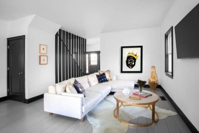 Gold elevates the space decor and black details make it modern