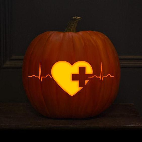 heart beat pumpkin lantern bring an eye-catchy romantic touch
