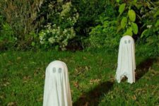 06 such floating ghosts are a perfect last minute backyard decoration