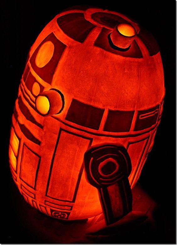 R2D2 lit pumpkin