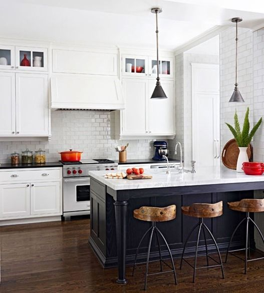 22 White Kitchens That Rock