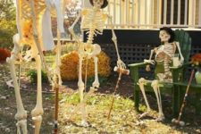 10 skeletons playing cricket scene is a stylish decoration without any fuss