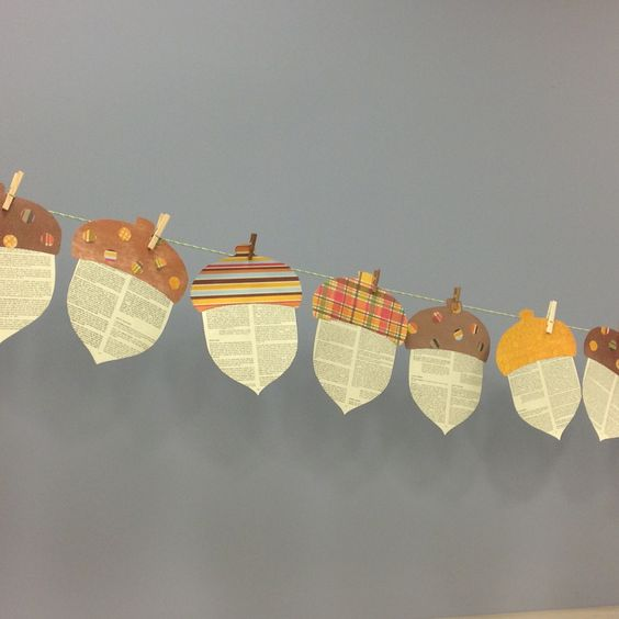 Thanksgiving Classroom Door Decorations ~ Awesome garland ideas to welcome the fall digsdigs