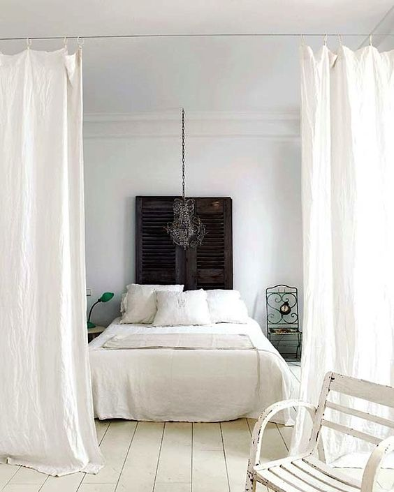 White Curtains Here Add To The Vintage Decor Of The Room And Highlight It