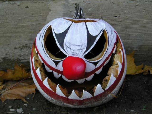 evil clown pumpkin for those who aren't afraid