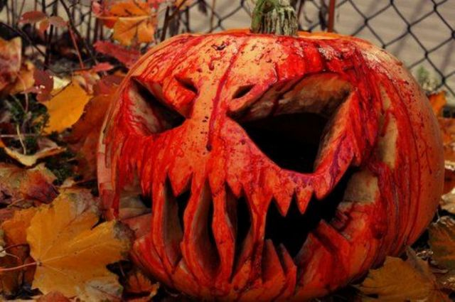 spooky jack-o-lantern decorated with faux blood will be striking for Halloween