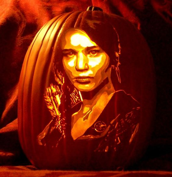 Katniss Everdeen pumpkin lantern