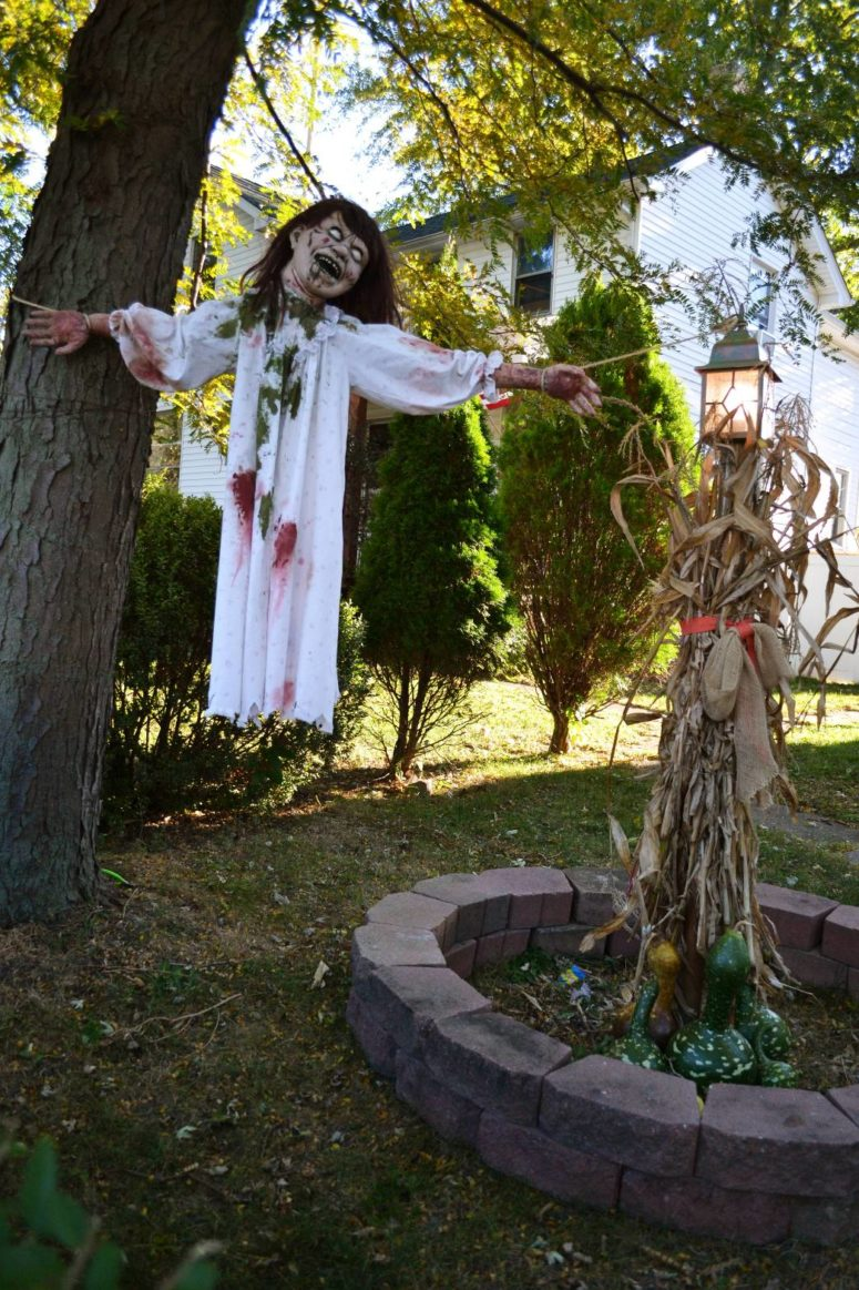 Ordinary Halloween Front Yard Decoration Ideas Part - 4: Flying Demon Girl Attached Between A Tree And A Pole