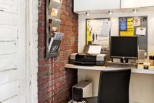 25 accentuate your office nook with red brick panels, it's easy and not fussy
