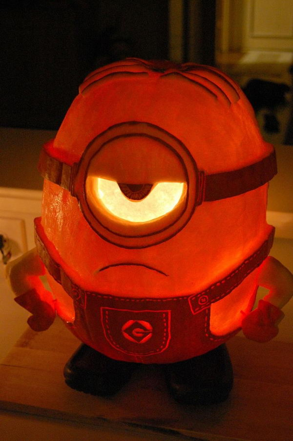 fun and creative Minion-o-lantern carved