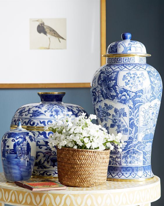 chinoiserie vases are an adorable decoration
