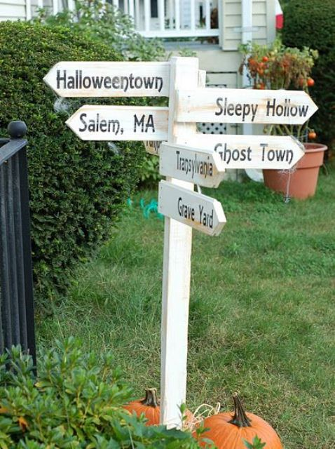 31 creepy and cool halloween yard d cor ideas digsdigs for Decoration exterieur halloween