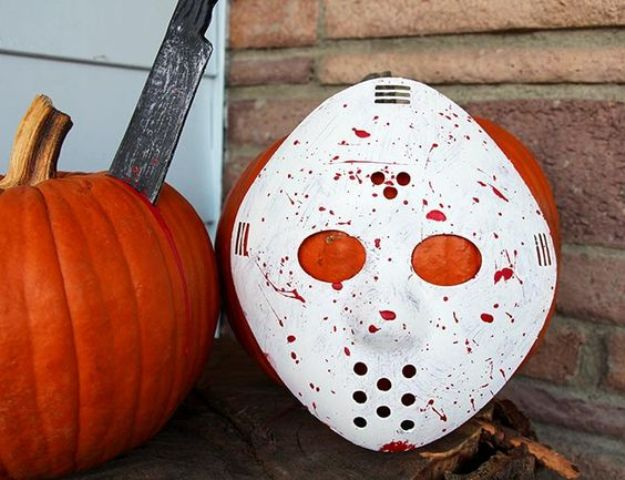 DIY Friday the 13th horror movie pumpkin