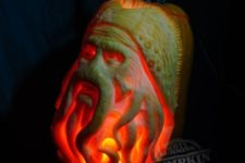 45 lit Davy Jones pumpkin carving