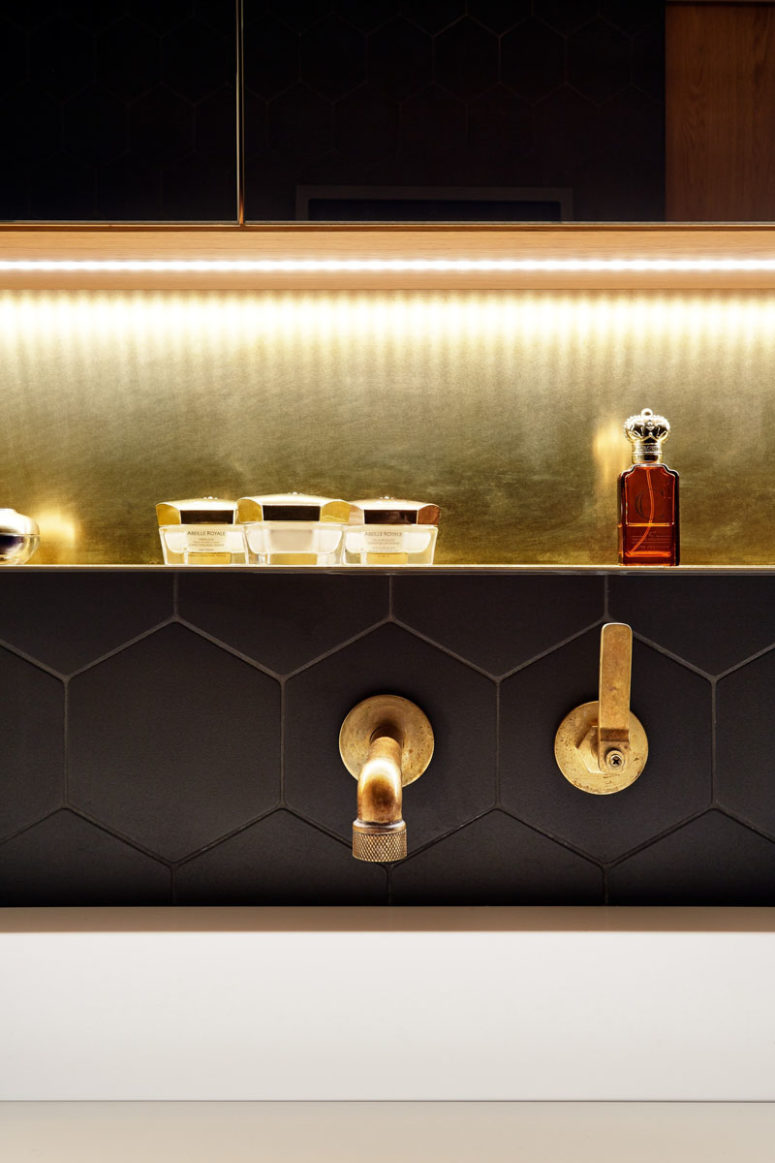 Brass Details Work Awesome With Black, Itu0027s A Timeless Combo Of Black And  Gold That