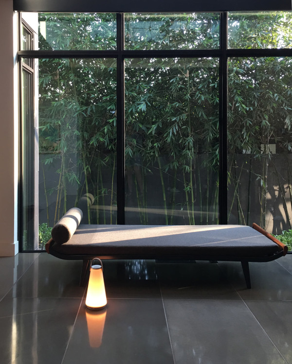 UMA can be used both indoors and outdoors, and the sound is controlled via bluetooth