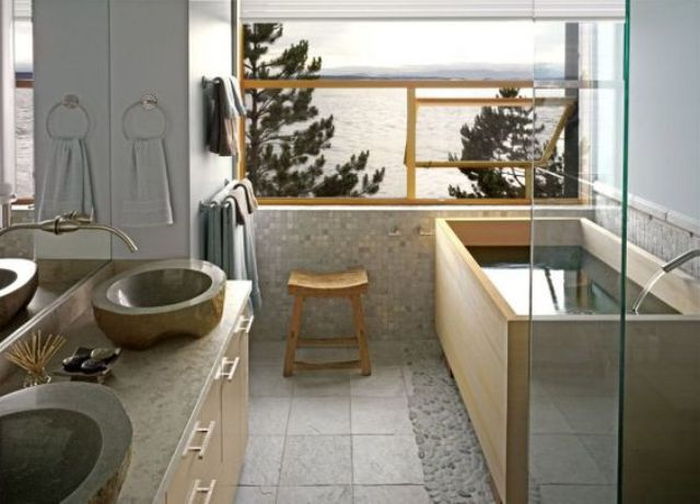 Attirant Light Japanese Bathroom With Stone Sinks, A Wooden Bathtub, Light Tiles And  Stone
