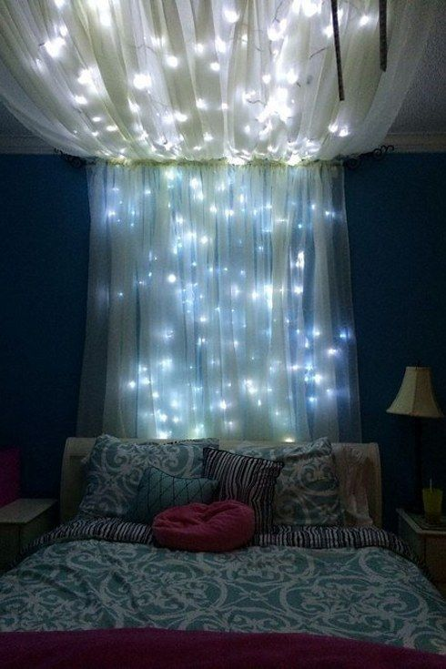 Romantic Trasparent Curtains With LEDs Inside That Look Like Stars