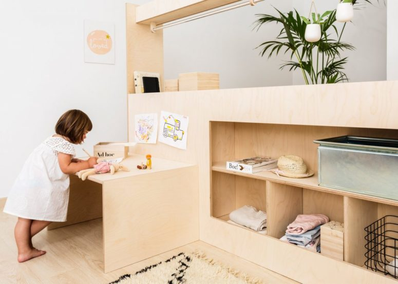 Both cribs grow with your children and can be changed in various ways