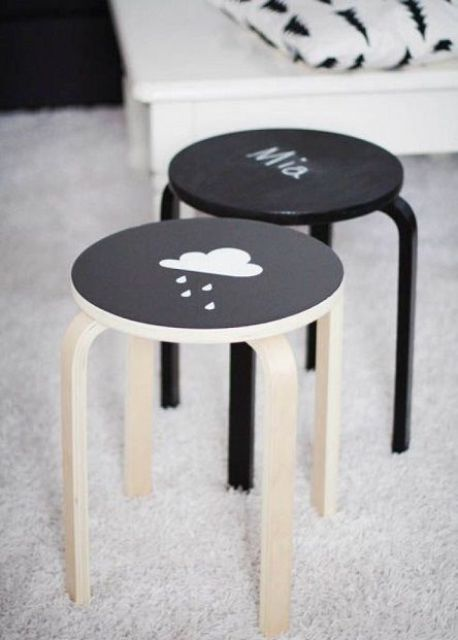 cover the stools with chlakboard paint to let your kids chalk on them