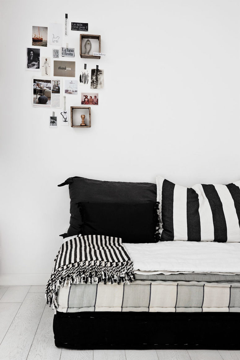 touches of black were added to create a texture and make the house more beautiful