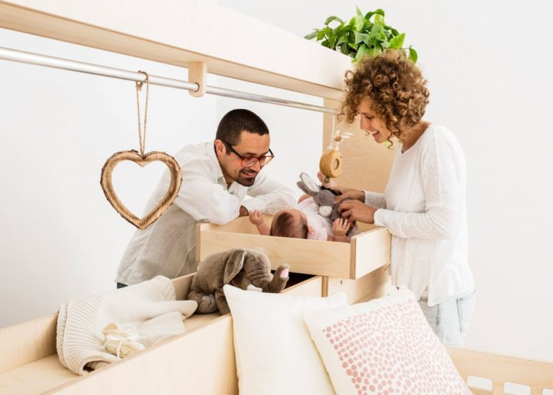 This furniture is right what you need for a modern and functional nursery