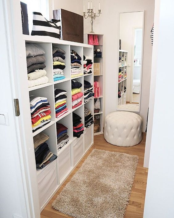 small walk in closet organization tips and 28 ideas digsdigs