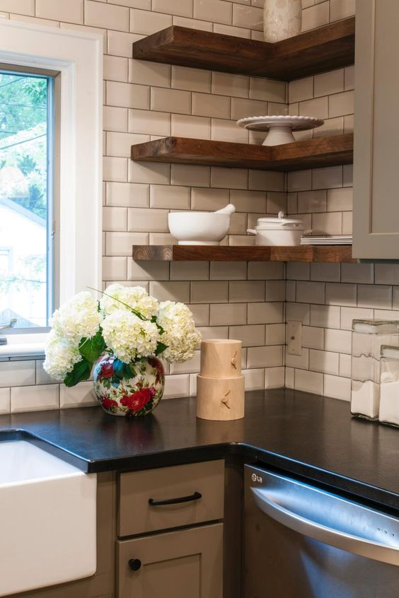 35 ways to use subway tiles in the kitchen digsdigs - Simple kitchen tiles ...