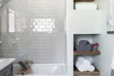20 very light grey tiles make white details stand out and create a peaceful mood