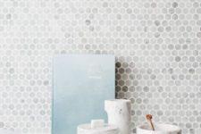 22 marble penny-round mosaic tile splashback looks eye-catching and refined