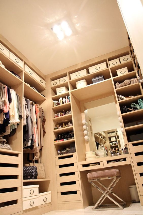 maximize the lights as much as possible to make a closet bigger and cozier