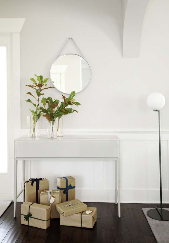 pile some gift boxes in the entryway and make everyone feel that Christmas is coming